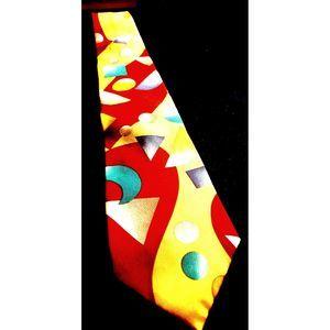 Men's~Geometrical Patterned~Silk Necktie